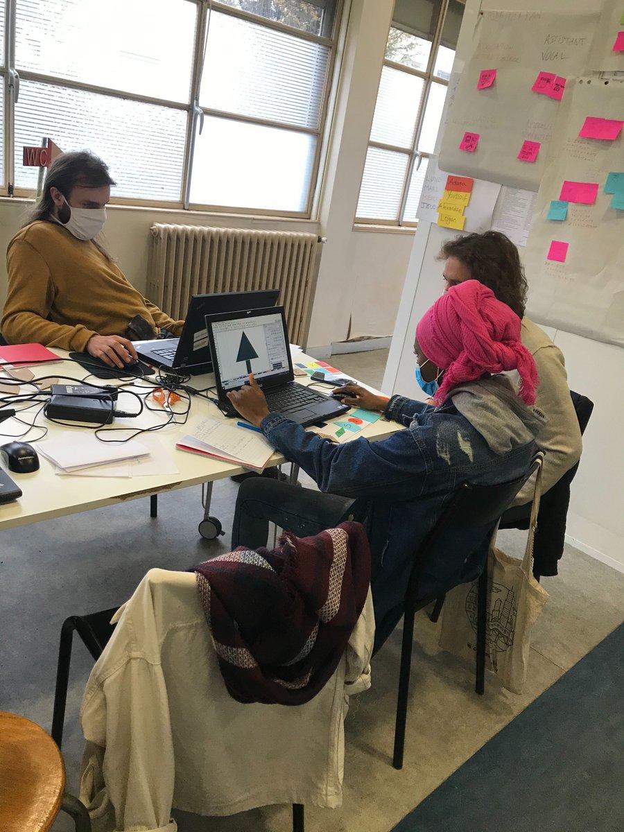 test Twitter Media - Premier atelier de prototypage du Défi E-FABRIK' pour la Promo#5 avec les associé•es du Foyer Isabelle de l'association Vivre et Devenir : https://t.co/tPxBZyvTp4