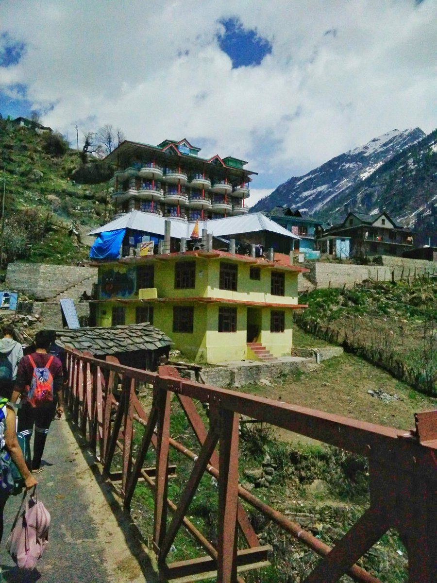 The feeling when you don't care how long it takes to reach there... 'cause you're going somewhere beautiful.  #throwback #tosh #toshvalley #parvativalley #himachaltourism #himachaldiaries #mountainlife #mountainlover #sundayvibes #nature #trek #terkking #midnightmemories #beauty https://t.co/MiTbDG2gCx