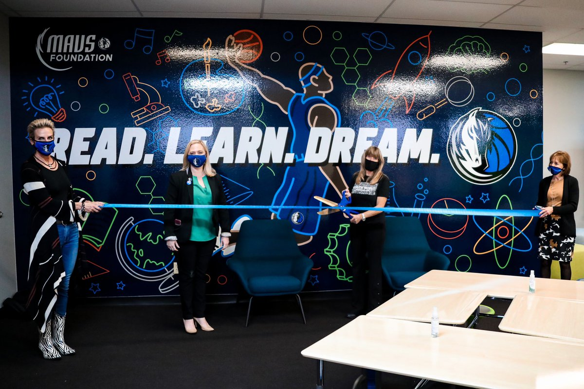 We're thrilled to announce that we have completed renovations to the Youth World Learning Center! 🙌📚   A huge S/O goes out to our partners:  @sdotcurry @ASUS @WorkWithVari @Lowes @ProPlayersFndn #MFFL