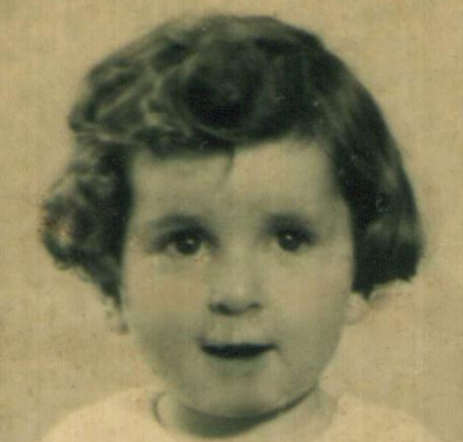27 October 1938 | Dutch Jewish girl Beppy Abrahamson was born in Amsterdam.  She was deported to #Auschwitz and murdered in a gas chamber. https://t.co/gYMMUlNT4O