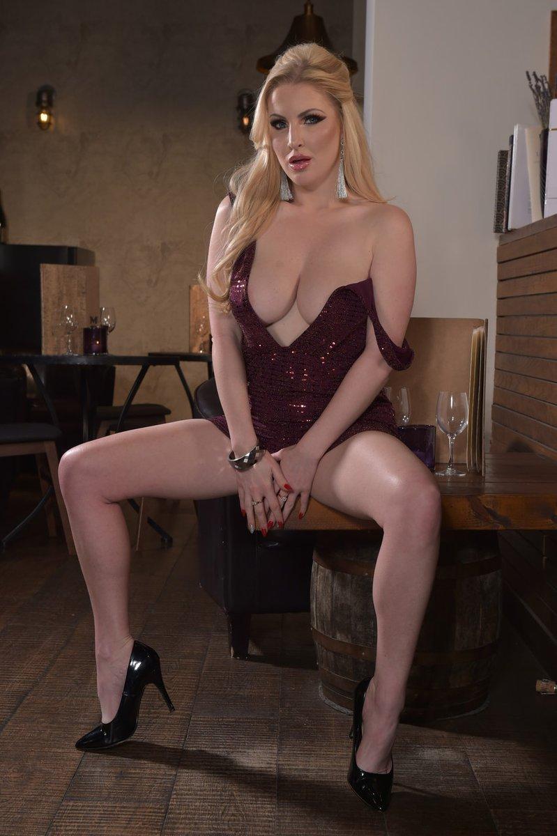 𝖨 💖 #TittyTuesday 🔥 @MissLyallXXX 🔥 ✨ #𝖩𝗎𝗀𝗀𝗌𝖨𝗇𝖼 ✨