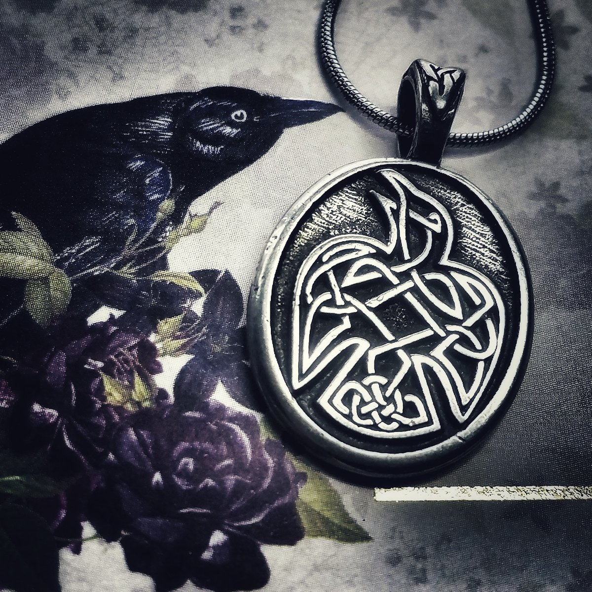 Celtic Raven Pendant   Among the Celts, the Raven was associated with the Morrigan, who took the shape of ravens over battlefields as Chooser of the Slain  #celticknotworks #beyourownkindofawesome #raven #ravenjewelry #celticknot #odin #norse #vikinggifts #raven https://t.co/YbMAImaCQk