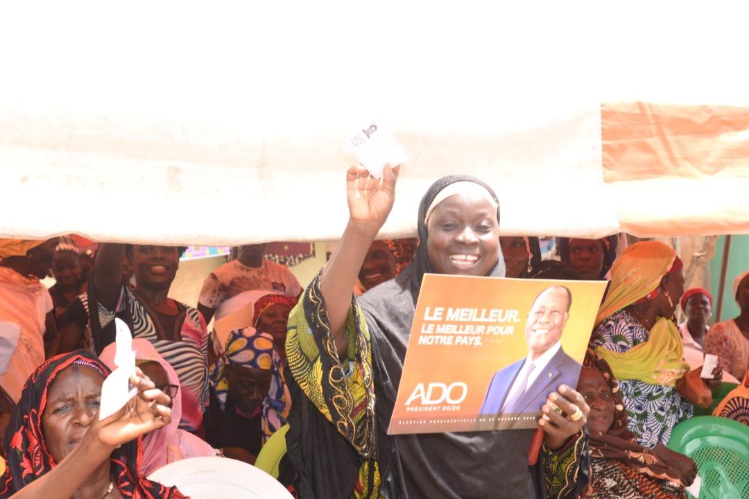 Ce mardi, 27 octobre, la directrice régionale de Campagne du RHDP dans le Cavally, @OulotoD, met en mission ses parents du grand nord (communautés Malinké, Mahouka, Toura), de Guiglo.  Objectif : Assurer le 1 coup K.O. au soir du 31 octobre 2020. #ADO2020 #Presidentielle2020 https://t.co/Wbj2r69cCe