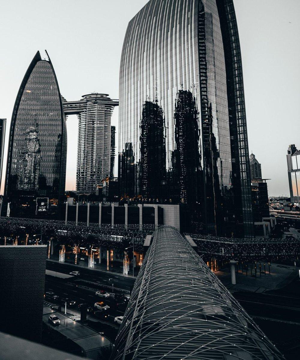 Grunge  Festive feel. #Downtown #Dubai  Gear: ___________ Nikon D850⠀ Tamron 24-70m MK's custom preset - Turkey⠀ ⠀ #downtown #mydubai #UAE #nikonme @nikonmea @emaardubai @downtowndubai @thedubaimall @emaarme #emaar #emaarrealestate #cityphotography #realestatephotography https://t.co/FyQy4QtA6F