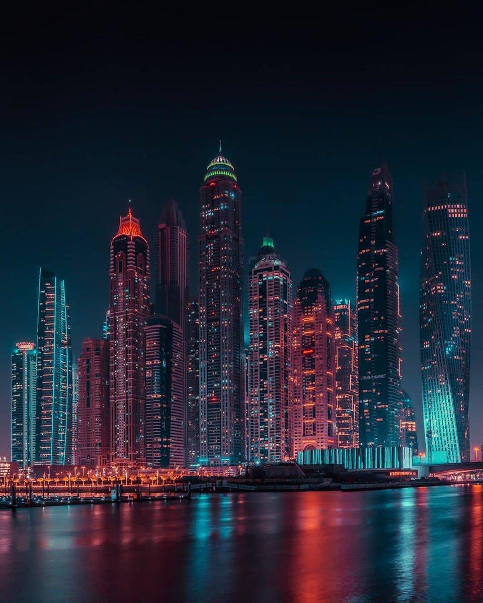 What a beautiful view. Photo by ig:thesandeepgupta #PicsDubai #Dubai #MyDubai #VisitDubai #PhotoOfTheDay #PicOfTheDay #InstaLike #City #Skyline #Skyscraper #Design #love #instagood #happy #travel #kind #patient #metropolis #travel #marina #KeysOfDubai https://t.co/SWWx0wOCv3