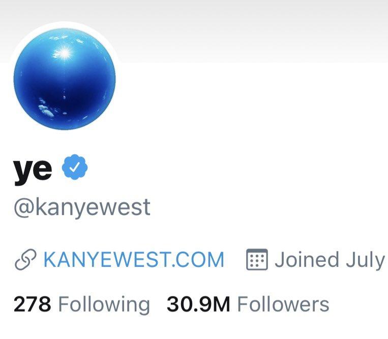 🤔 I was at 31 million followers 4 weeks ago and now I've been held at 30.9 million followers for the last 4 weeks 🤔🤔🤔 https://t.co/AV51hzh8bn