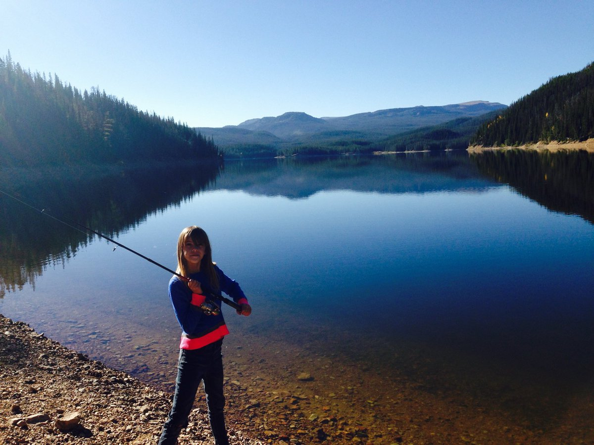 My daughter at Chambers Lake. Long before Cameron Peak Fire 😞 https://t.co/yDQsvm1vqD