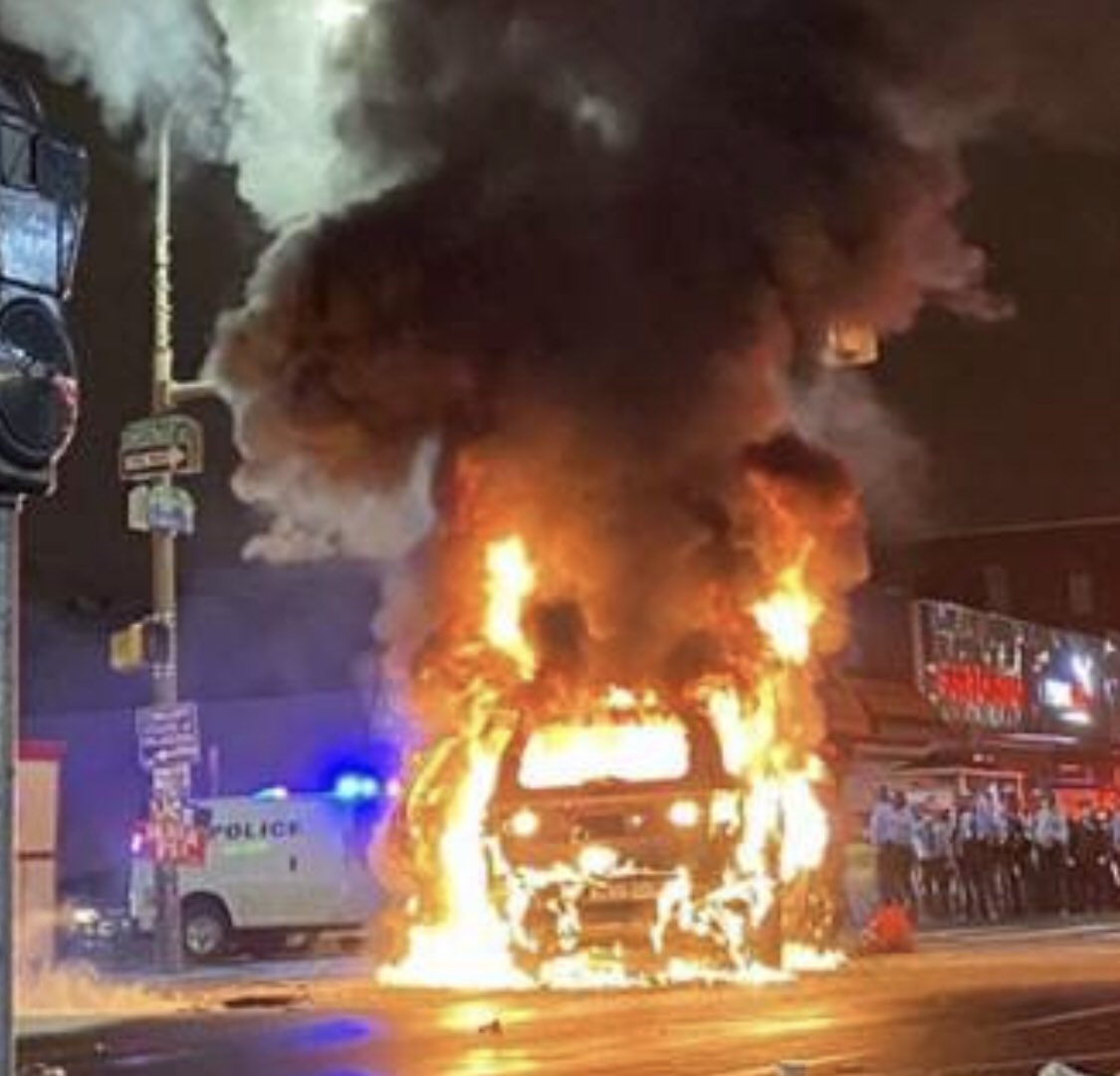 Philadelphia rehearsing for Election Day looting and rioting to intimidate voters. But, hey, it's the Democrat way... https://t.co/4dSYdclIGl