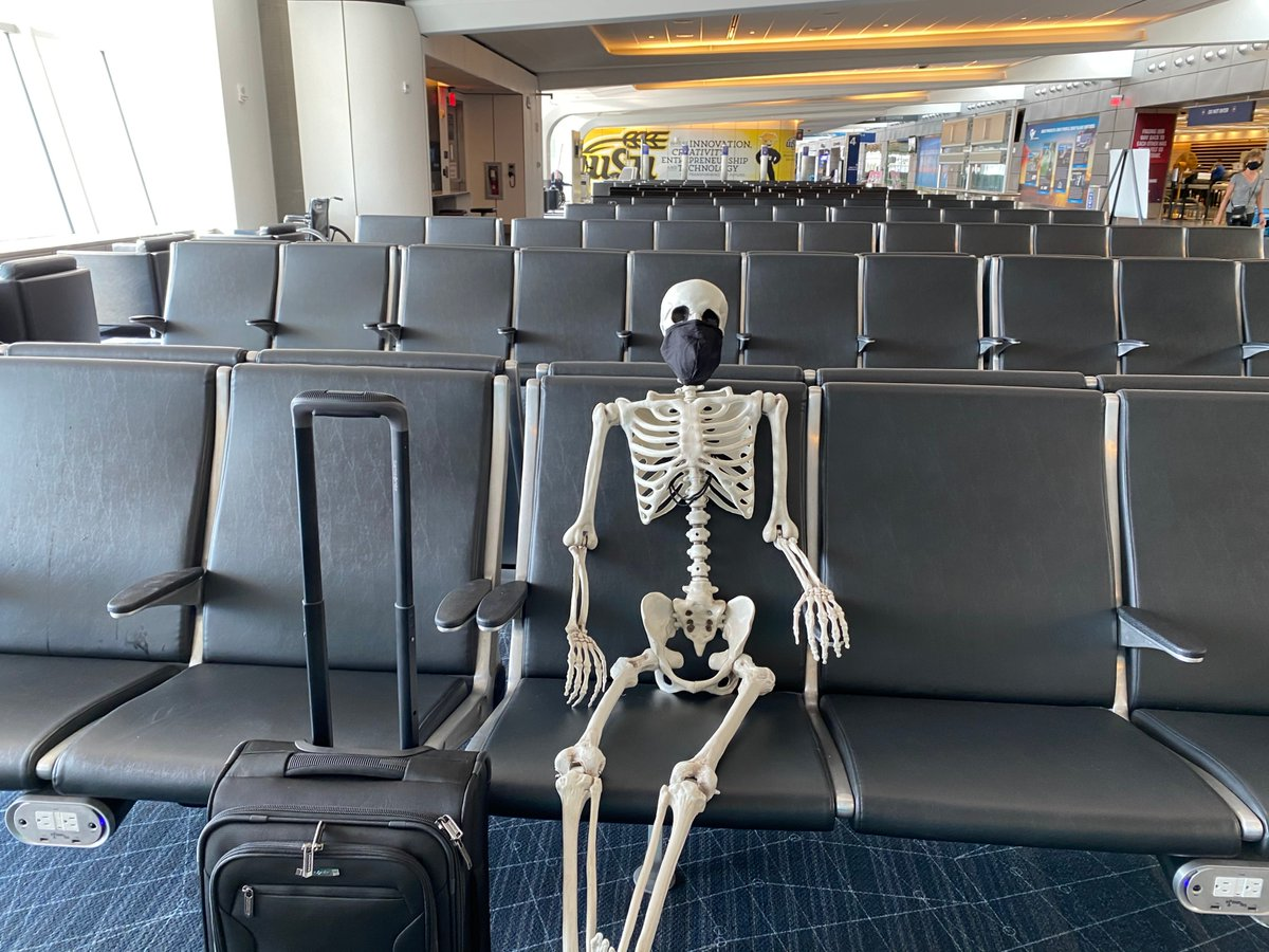 Why was the skeleton so lonely?  Because he had no body. 😂  #RedSkeletonICT #AirportTwitter https://t.co/BSYezp3KDR