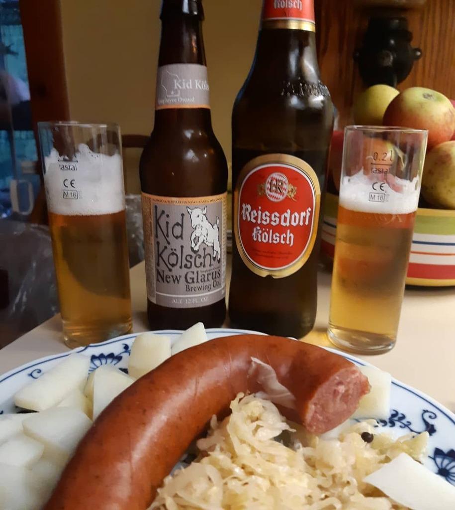 Some sausage and sauerkraut, with beer, of kolsch.  . . #beer #craftbeer @newglarusbrewing #wibeer #kölsch #beerpics #beerstagram #beernerd #sausage #kielbasa @reissdorf_kolsch #germanbeer https://t.co/CRcy1qoFXX https://t.co/NQnrZlhALG
