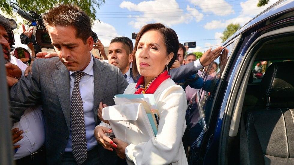 #ItinerarioPolítico Desde el día que fue enviada a prisión –el 13 de agosto de 2019–, aquí dijimos que @Rosario_Robles_ era víctima de una venganza política del presidente Obrador. ✍️ @RicardoAlemanMx #OpiniónLSR https://t.co/LPY8Wvj2K3 https://t.co/2BgGjY1rkO