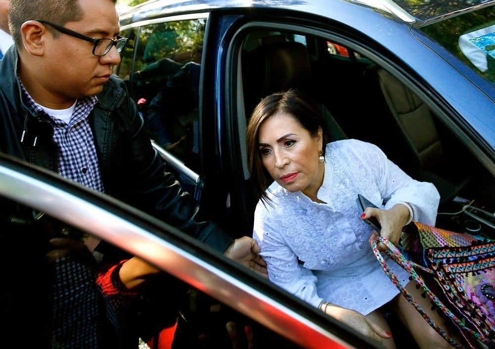 Rosario Robles asegura ser casi una
