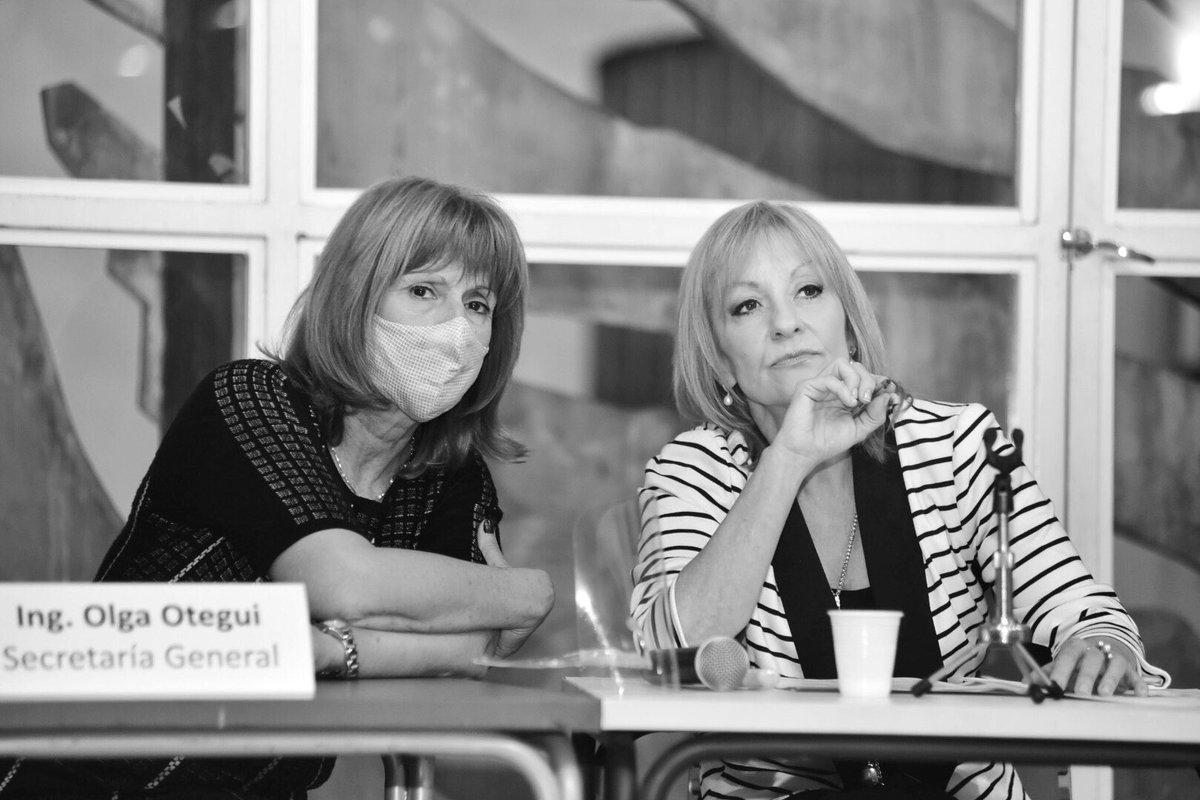 Es la primera vez en la historia del país que dos mujeres están liderando un ejecutivo?