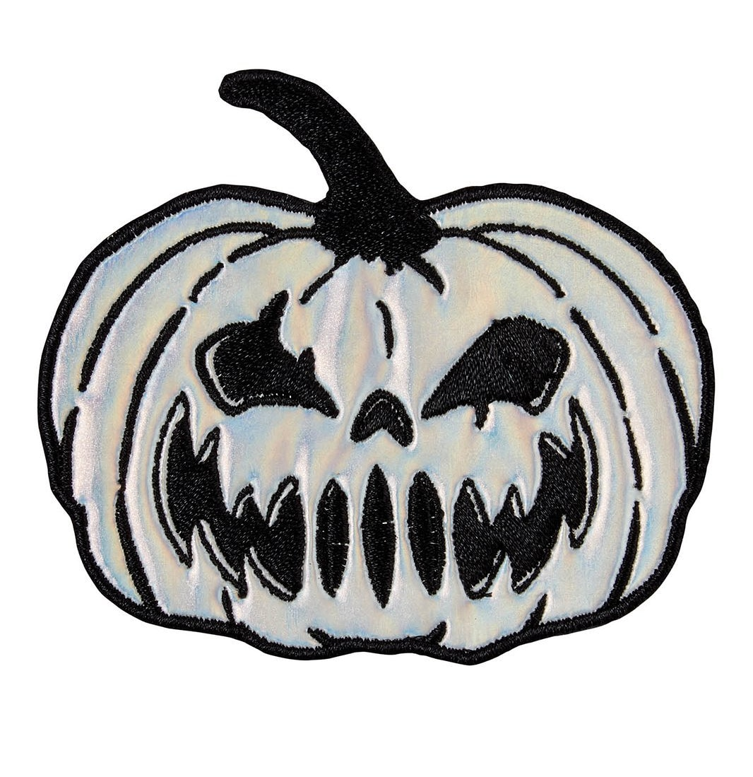 DIY yer life with this rad fully embroidered 'Pumpkween' patch! 😍  #vampirefreaks #alternativefashion #alternative #goth #gothic #scene #emo #alternativemusic #alternativemodel #punk #gothgirl #gothguy #pumpkin https://t.co/VSVrkR3rvg