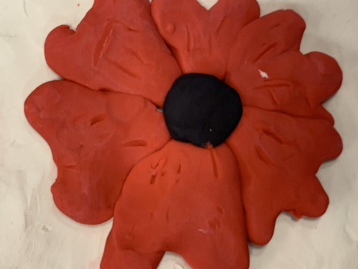 #poppies for #remembranceday2020🇨🇦#plasticine https://t.co/ah9NcdOrCz