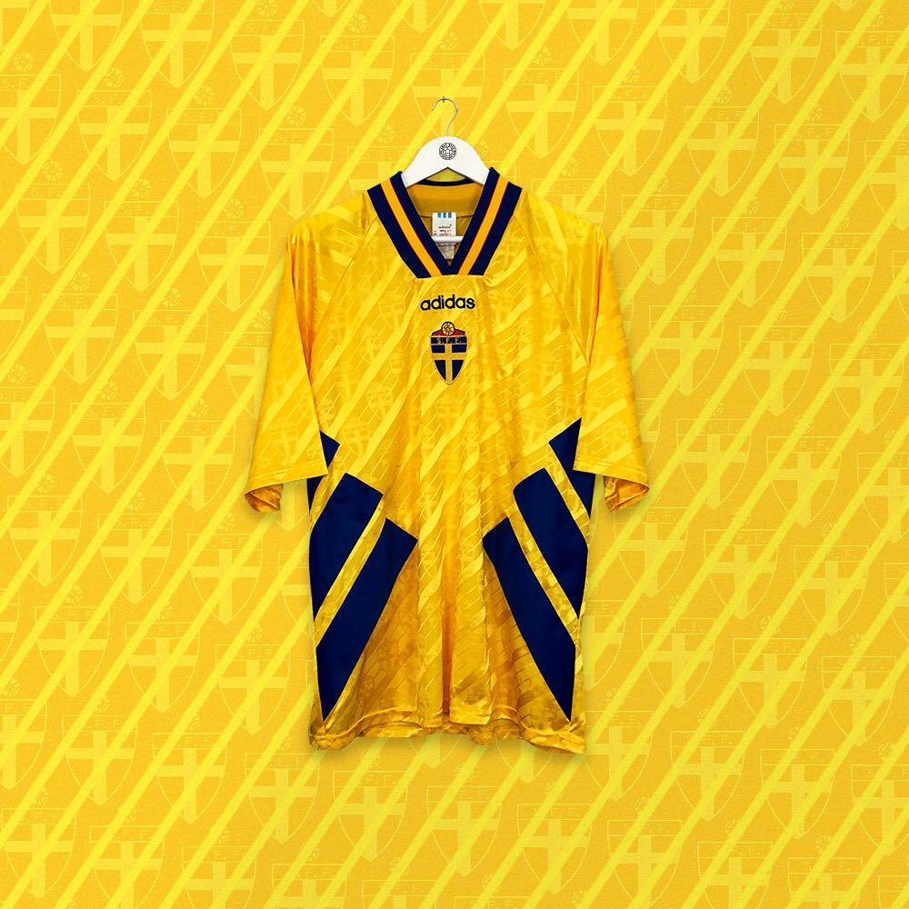 💛💙 Now in store: Sweden '94-'96 👉 cultkits.com/sweden-199496-…