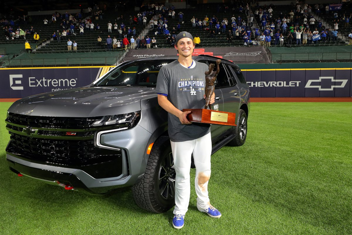 The @Chevrolet #WorldSeriesMVP with a new ride and some new hardware. https://t.co/icOa77OeN5
