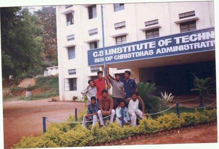 My engineering college old friends photo passout year 2003 https://t.co/iOHwCEkLVC