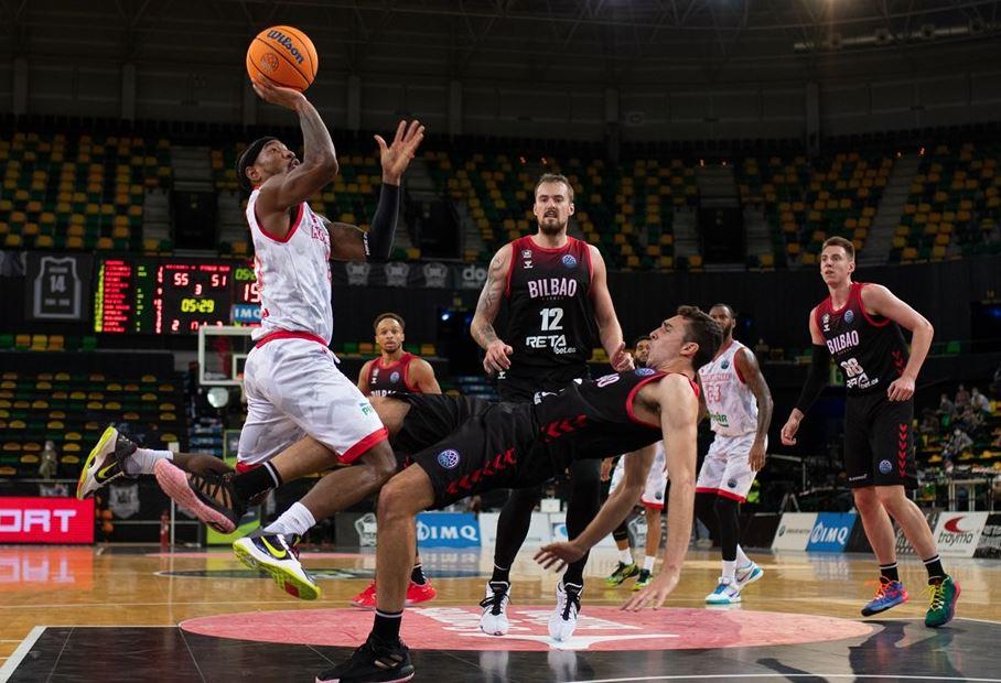 Karşıyaka Avrupa'da kaldığı yerden...  Pınar Karşıyaka #BasketballCL 'de ilk maçında RETABET Bilbao Basket'i deplasmanda 81-72 mağlup etti  https://t.co/hQauEKsiG1  #FIBA #BasketballCL #ChampionsLeague #Karşıyaka #Bilbao #KafKaf #Basketbol #Çarşamba #Spor #Basketball https://t.co/GP2irZOQoh