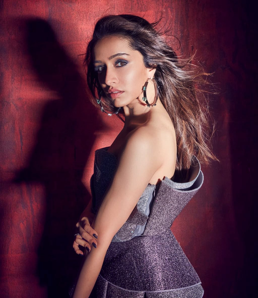 #ShraddhaKapoor to portray Ichhadhaari #Nagin in a film titled #Nagin, is designed as a trilogy, 3 film series. Directed by Vishal Furia. Produced by Nikhil Dwivedi.   #Bollywood #bollywoodactress #BollywoodNews @ShraddhaKapoor https://t.co/zipGOQreD6