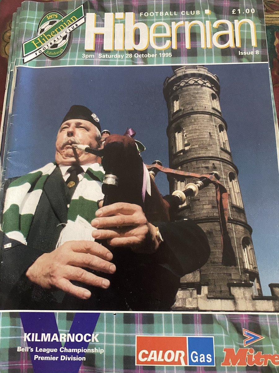 #OTD 2️⃣8️⃣/1️⃣⚽️/1️⃣9️⃣9️⃣5️⃣  Scottish Premier League  @HibernianFC 2️⃣  ⚽️ @keithwright47 ⚽️ O'Neill  @KilmarnockFC 0️⃣  Att: 9,888  Who is the bag piper? 🤔 https://t.co/ozrLA7Z7PG