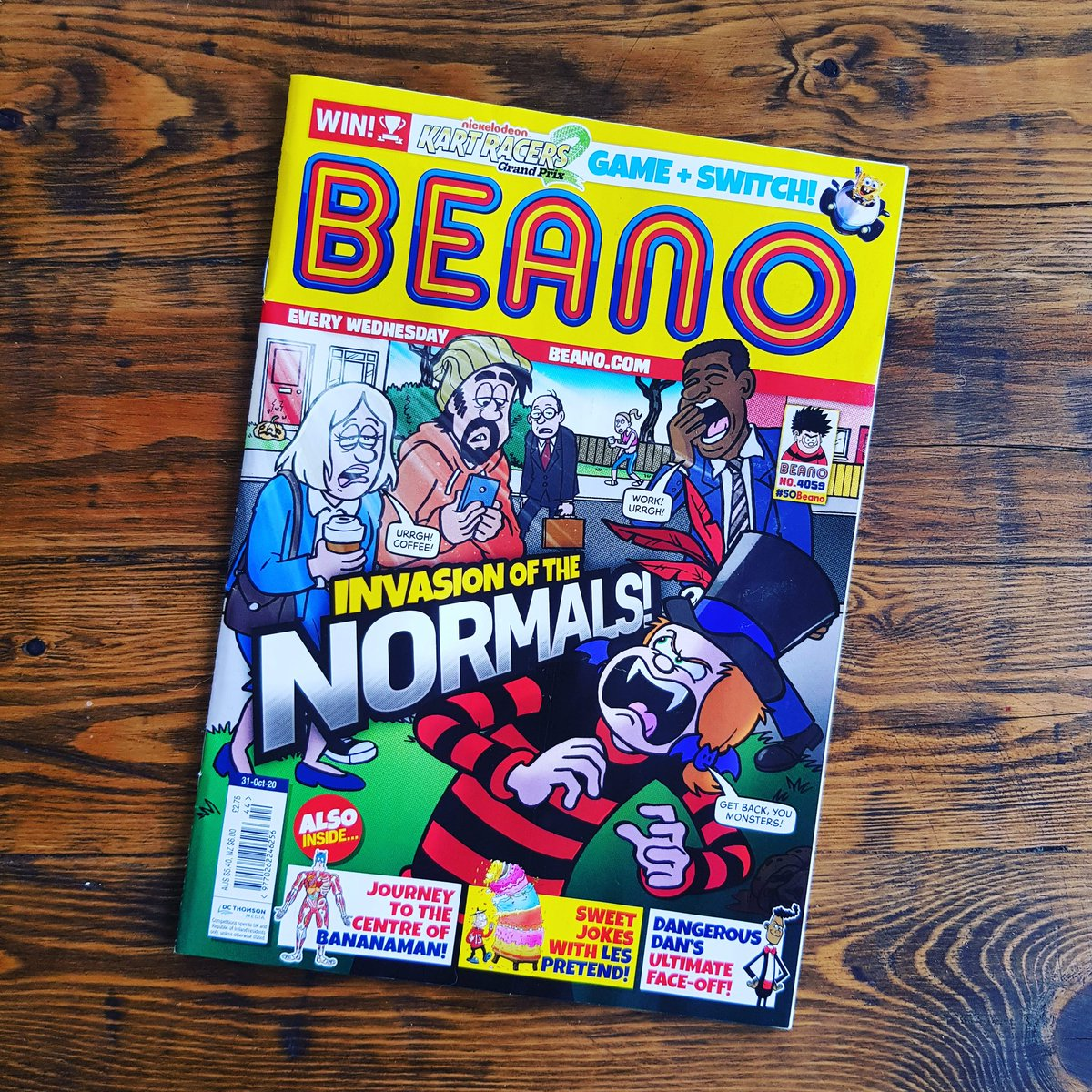 It's Beano Wednesday!!!  This week I have written for Roger the Dodger, Gnasher & Gnipper and Rubi Von Screwtop!  Cover by @VictorianClam 🖤❤🖤😂  Art by Barrie Appleby & @Cowgirl_Em @BeanoOfficial  #Hitchin #London #Dundee #Beano #TeamBeano #BeanoWednesday https://t.co/AnmK4hGnVn