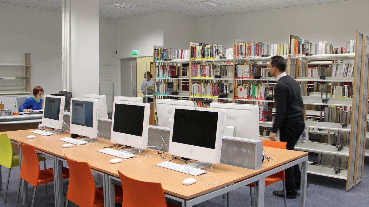 Suite aux annonces gouvernementales, le #CELSA a fermé ses portes. Sa bibliothèque est également inaccessible. Les prêts sont prolongés jusqu'à la fin de ce confinement et vous pouvez toujours accéder aux ressources en ligne. Comment faire ?➡️