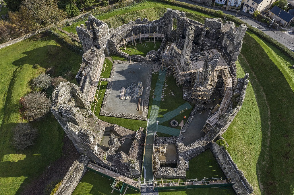 Aerial view of ongoing conservation at Coity Castle. 1/3 ⤵️