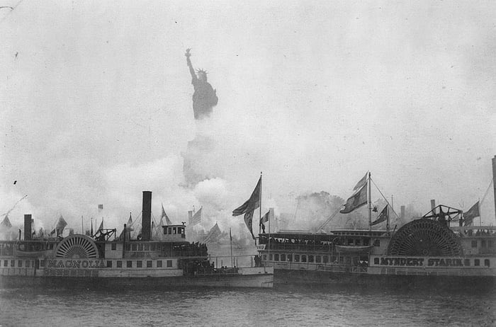 The inauguration of the Statue of Liberty. October 28th 1886. #History
