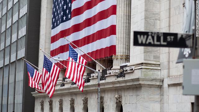 US stocks open sharply lower https://t.co/LennrcuL1r https://t.co/LQLX9mUEYp