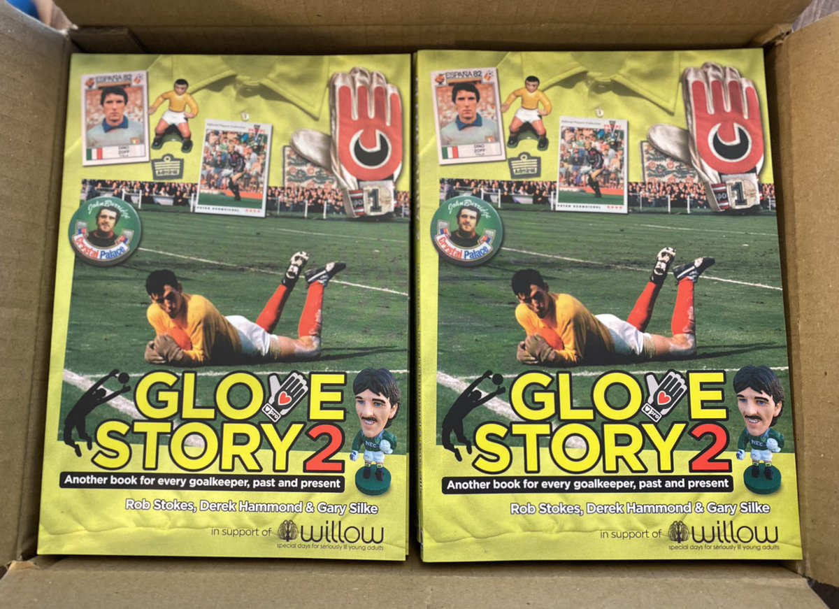 A very proud day (again) ... #GloveStory2 Massive thanks to Derek Hammond & Gary Silke @GotNotGot and all those that have contributed to this book 🙌🏻