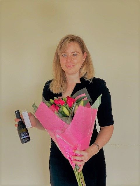 ⭐️ A huge well done to Emily, who has worked very hard for a client recently and now achieved a successful outcome. The 'thank you' gifts are well deserved! 🍾 💐   #GlosBiz #Solicitor #Cheltenham #Gloucester #Gloucestershire https://t.co/2NMmoxo44A
