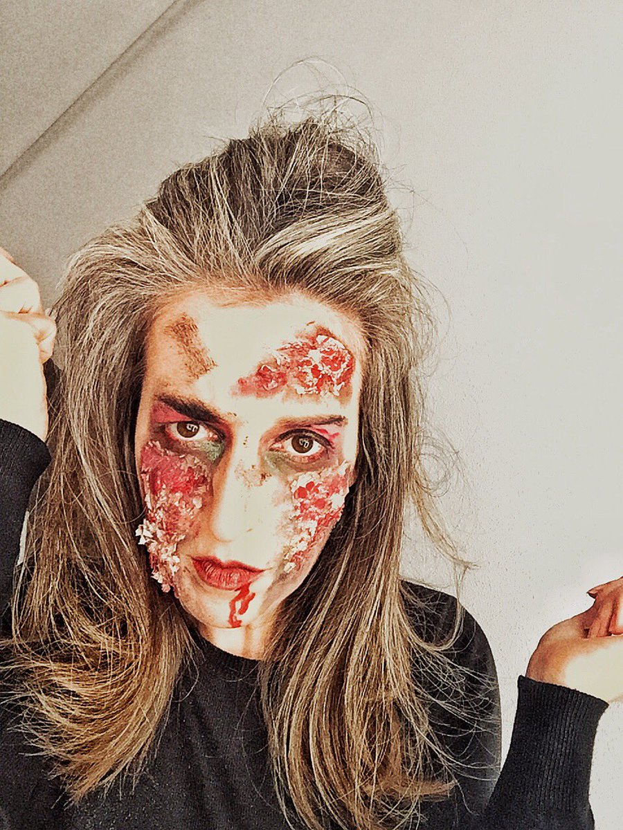 Llega Halloween!!! Esta tarde tendrás este #tutorial de #maquillaje en mi Instagram. No te lo pierdas, porque será... de MIEDO!! 👻🕷🕸🦇🔪 #instagram #lenialba #makeup #makeupartist #halloween #blogger https://t.co/ZDJ2VpwE6z