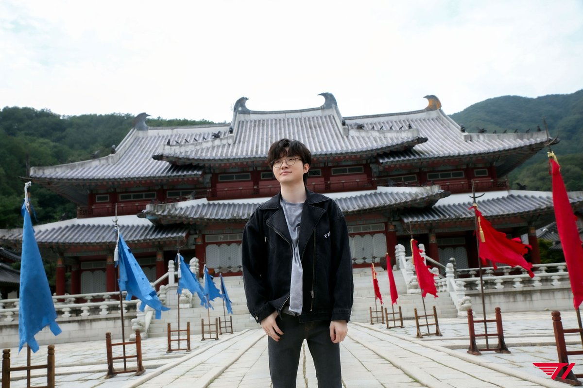 lol_Khan - A Place for a King @faker