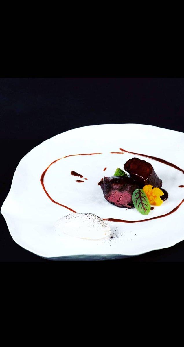 Filetto di cervo alla trigonella e curry alpino, gelato al fieno e il suo jus #2020 #lakegarda #malcesine #gourmet #cucinaitaliana #cucinamoderna #teamwork #gourmet #cucinamediterranea#cheflife #bassatemperatura #chef #cheflife https://t.co/OkCneRVIfA