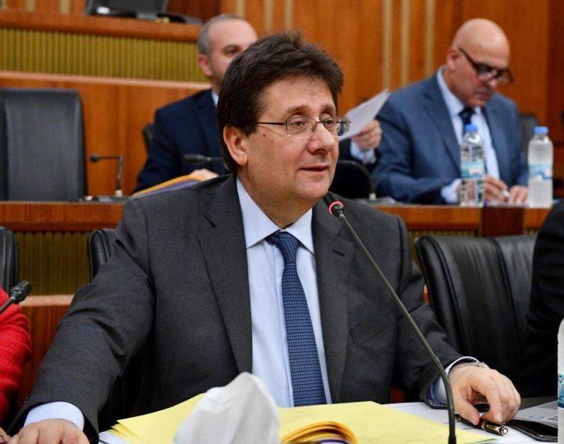 """#Liban Audit juricomptable de la BDL : Le contrat avec Alvarez & Marsal est """"inapplicable en l'état"""", estime Kanaan https://t.co/OFo0y41hRV https://t.co/od0eWgyCgU"""