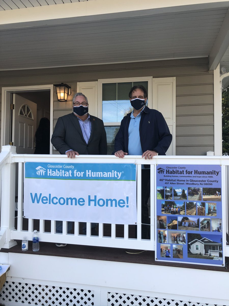 SJFCU celebrated the completion of @GCHFH2's latest home in Woodbury. As the financing agency for the mortgage, we're proud to help a Gloucester County family achieve the goal of affordable homeownership. #community #habitat #homeownership https://t.co/sEslofq3Up