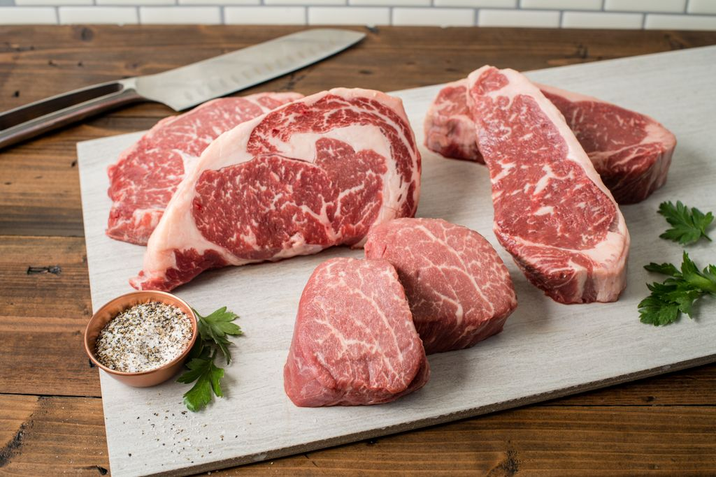 Experience a variety of different brands and cuts with Premium Packages!  #TheWagyuShop #a5wagyu #wagyu #prime #beef #giftideas #host #dinner #dinnerparty #dinnerdate #premium #steak #assortment #ribeye #striploin #filetmignon #tastetest #upscale #variety #wagyubeef https://t.co/g1YWs0XRkz
