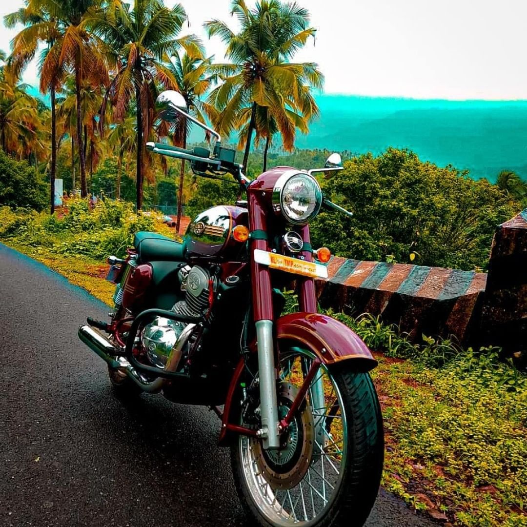 Lucky for us, Sidharth (Instagram handle: sidharth_029) took a pit-stop at a breathtaking view and captured it for us. Share your beauties with us, use the #JawaPitstops  #jawamaroon #justjawa #jawaclassic #jawamotorcycles #jawaindia #traveljourney #roadtrip #breathtakingviews https://t.co/2g5Bo9mfld