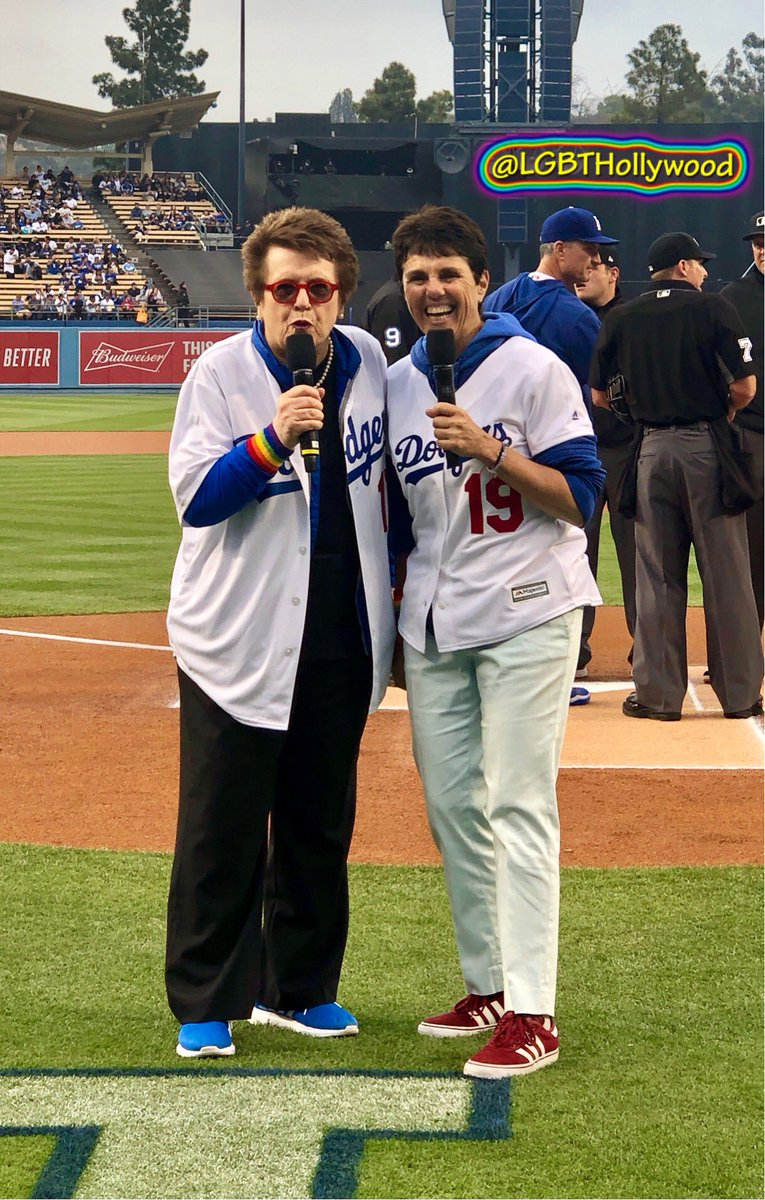 Dodger co-owner @BillieJeanKing 💙 and the Wife 🌈💙 #wearethechampions🏆 #worldseries2020 https://t.co/KVGEpOBLiW