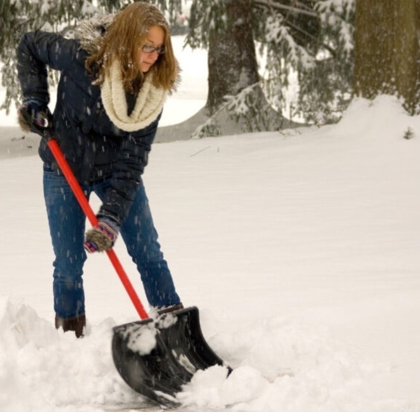 Wondering if you should shovel snow when pregnant? Follow these helpful tips to keep yourself safe and warm if you're shoveling snow during pregnancy. #snow #snowstorm #winterweather #pregnancy https://t.co/cjGYDSVOXU https://t.co/xQjEKDLrQt