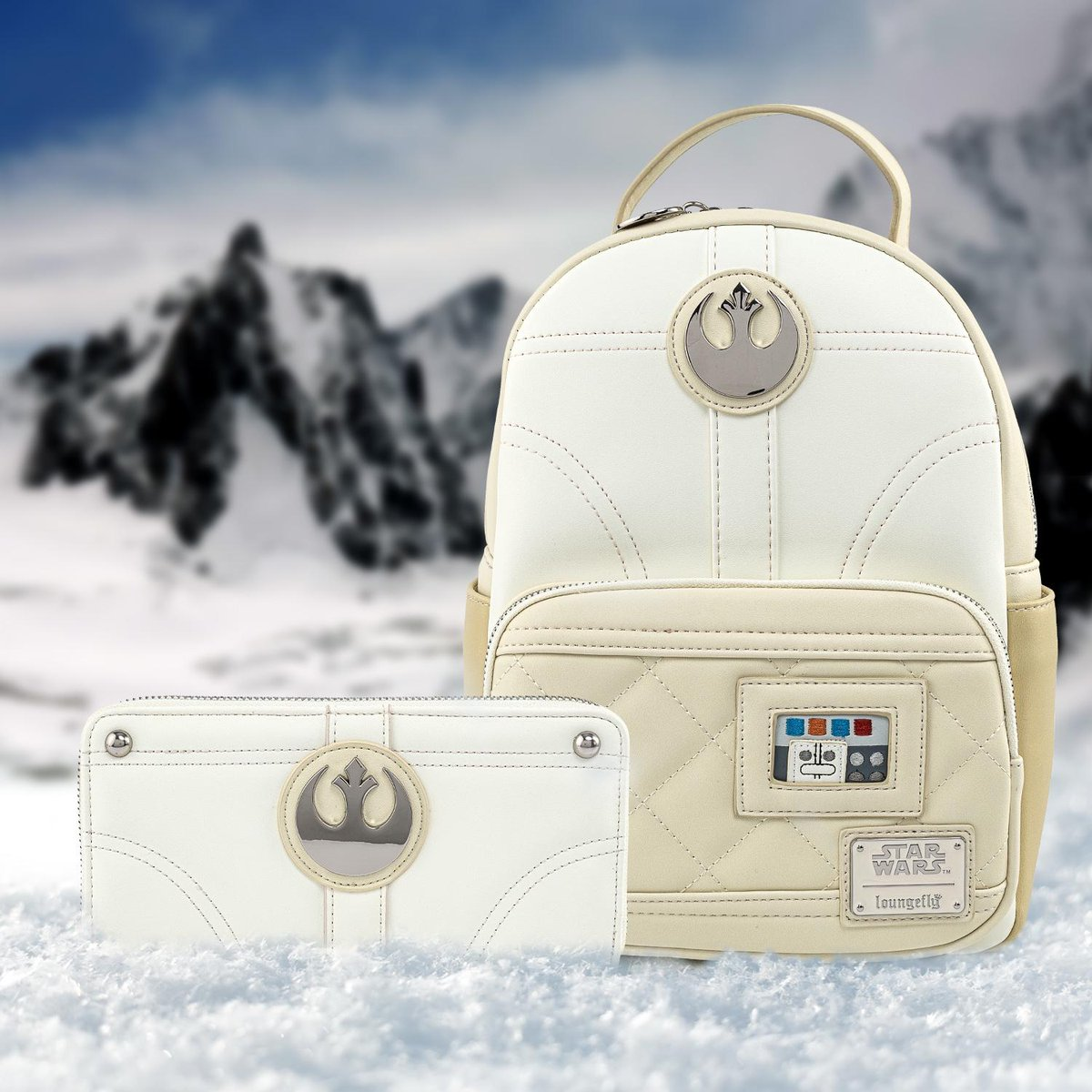 Head into the icy elements of Hoth with this collection inspired by the iconic Princess Leia. Now available on bit.ly/3kFEkHB! ❄️🧊❄️ #Loungefly #StarWars #Hoth