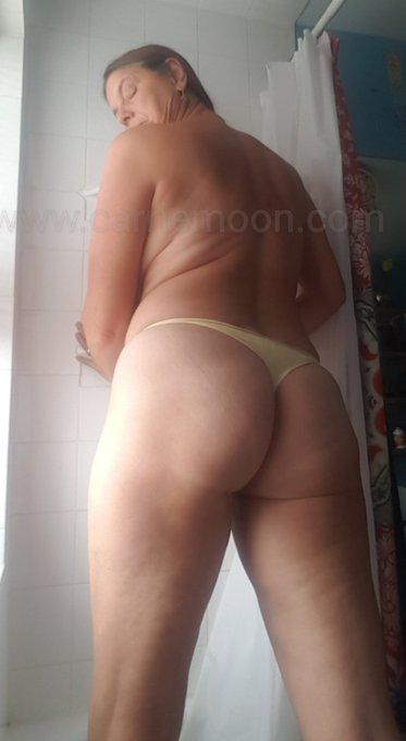 Mailing some worn thongs this week ;) https://t.co/DIrZRSonL0