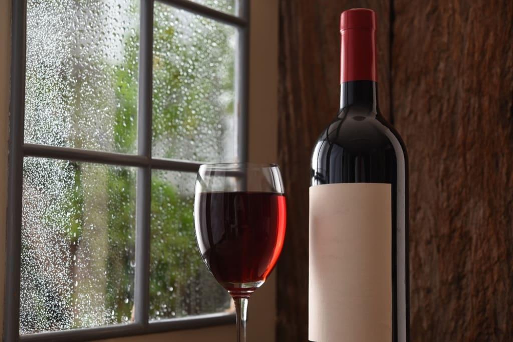 My new fav tweet:  Rainy night on tap - stock up now! https://t.co/v5cLAojSFH #rain #storm #rainy #wine #winetasting #winetime #winebar #winelover #vino #champagne #bubbly #craftbeer #pensacola #upsideofflorida #lovefl Cordova Mall https://t.co/2uU3SalXGF  — Beyond The Grape…