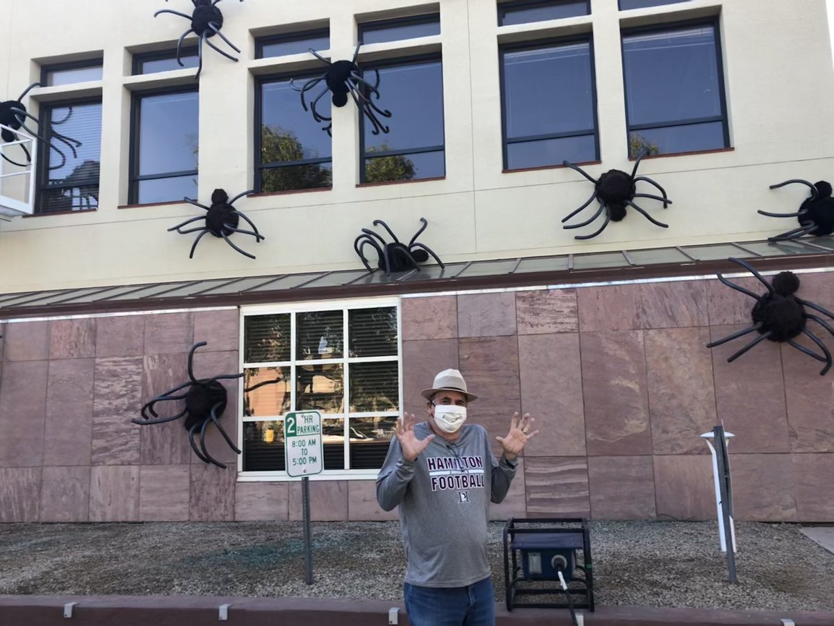 Anyone know a good exterminator 🕷  Having fun setting up Spooktacular this morning! Head Downtown Thursday and Friday night for some spirited fun 👻 https://t.co/sG8bqrQbiP https://t.co/GYBj6pirVY