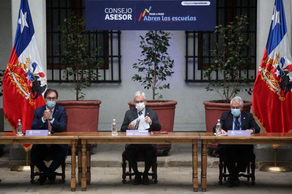 """El Presidente Sebastián Piñera, encabezó la primera reunión del Consejo Asesor para el Plan """"Paso a Paso, Abren las Escuelas"""