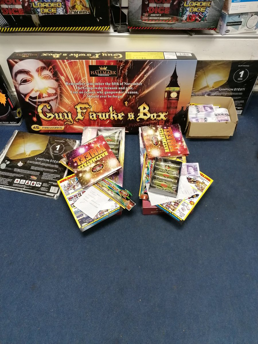 Some nice deliveries packed up ready to go out tonight. Yes that's right we deliver!!  Call: 07595756698   #leedsfireworks #fireworks #bonfirenight #leeds #westyorkshire #fireworkdisplay #displayfireworks #fireworksnight #guyfawkes #rememberrememberthe5thofnovember  #pyro https://t.co/iQI4s8EGWO