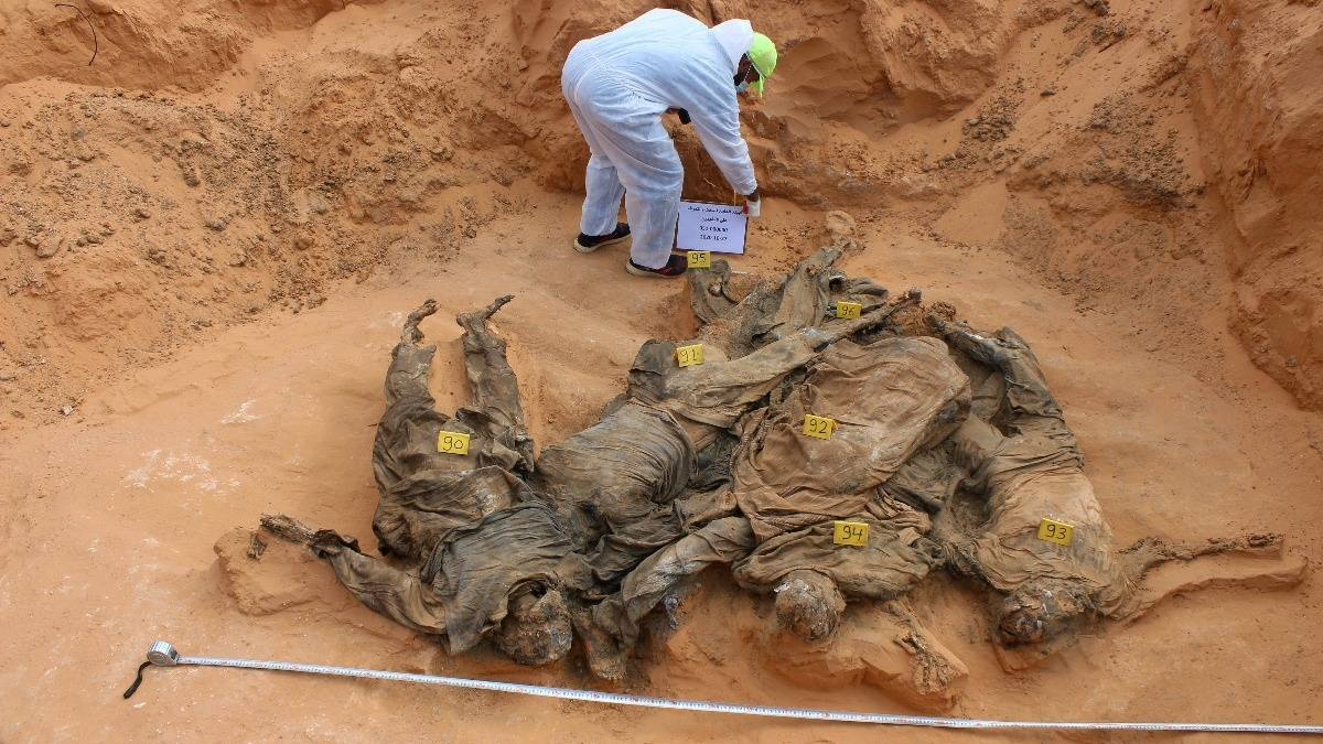 Libyan investigators find more mass graves https://t.co/TVdta2cMUe https://t.co/4trKtAjAlq