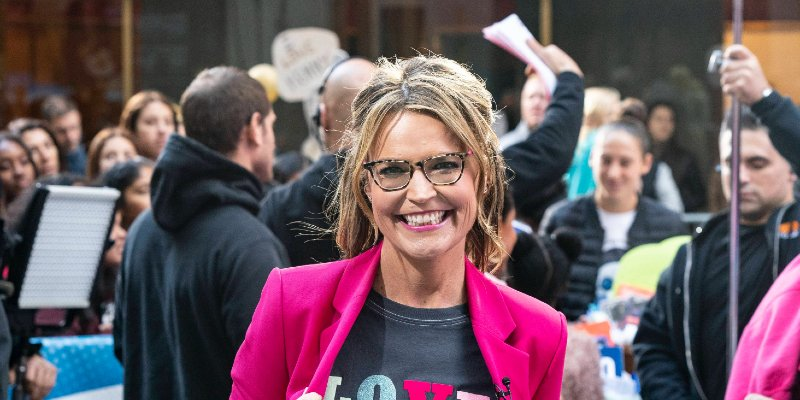 Savannah Guthrie Looks Toward Massive NBC Deal After Successful Town Hall Gig ◌ https://t.co/F3JGfFTgA4   ➥ Aisling O'Connor 🗞️ #OKMagazine ◌ Good read👍🏻 https://t.co/ZZjhZ1ld9i
