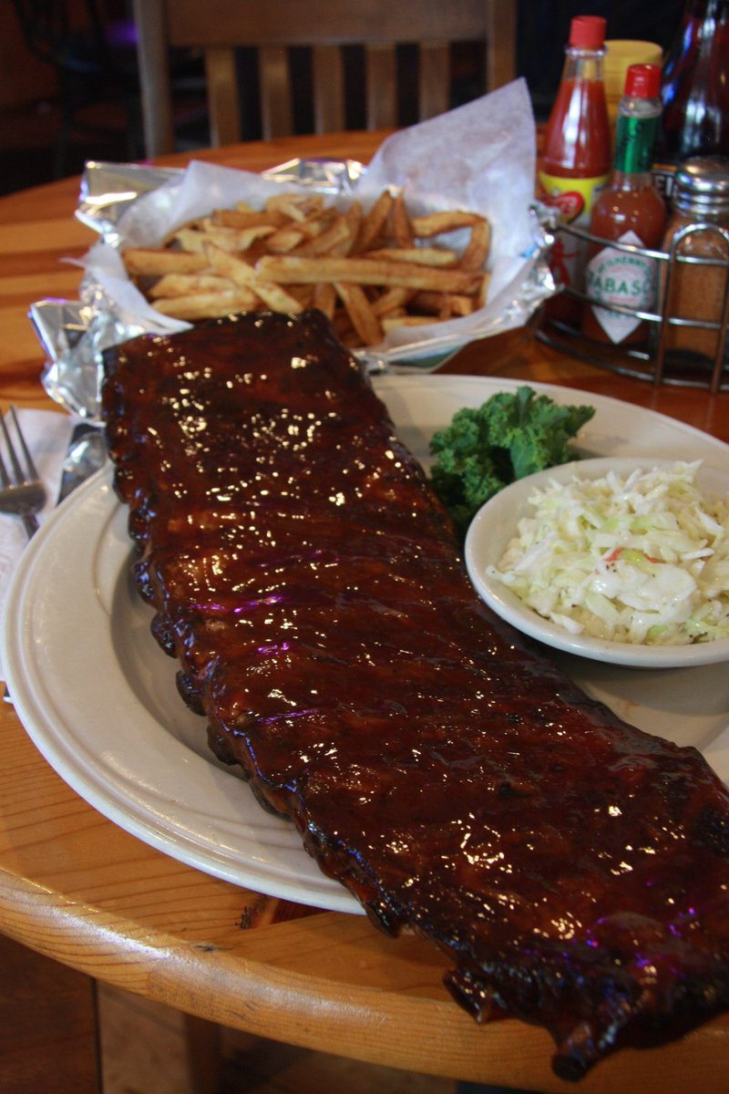 Craving #ribs today... https://t.co/uJNTHFTXwJ